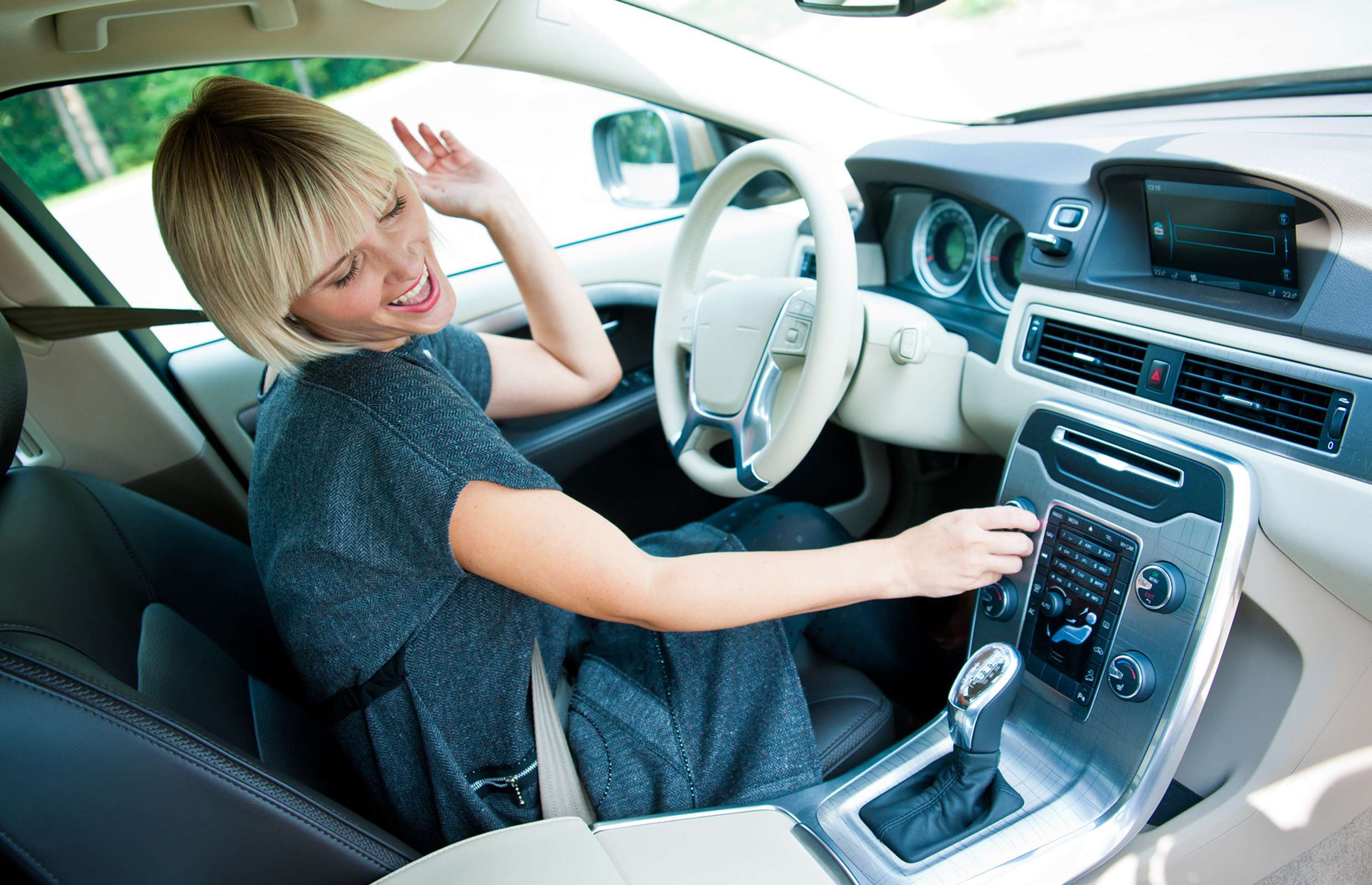 How Listening to Music Can Affect Your Driving - Joyenergizer